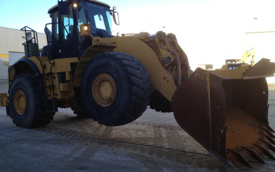 CAT980 WHEEL LOADER BEING INSPECTED IN CANADA